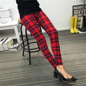 Pants - Women's Leggings Red Plaid Small / Medium